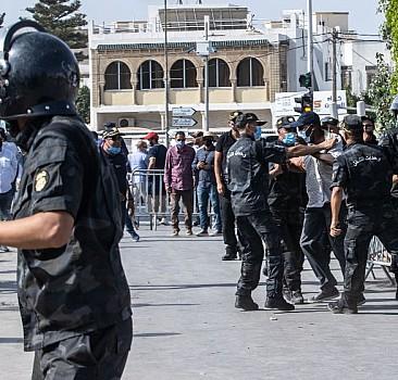 Tunus'ta da 'Bin Yıl Sürecek' 28 Şubat!