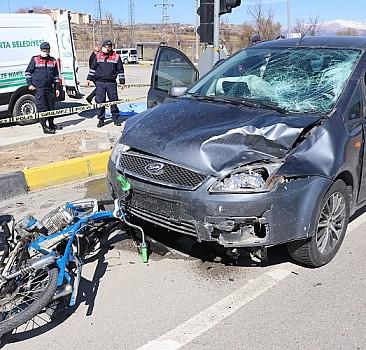 Isparta'da otomobille motosiklet çarpıştı: 2 ölü