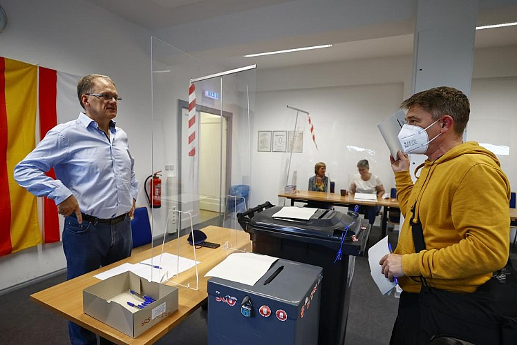 Almanya'da oy verme işlemi sona erdi