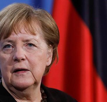Merkel'den Türkiye için övgü dolu sözler