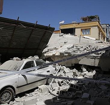 Gaziantep'te boş bina çöktü