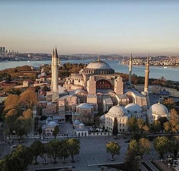 İstanbul ve Ayasofya İslâmiyet'in malıdır
