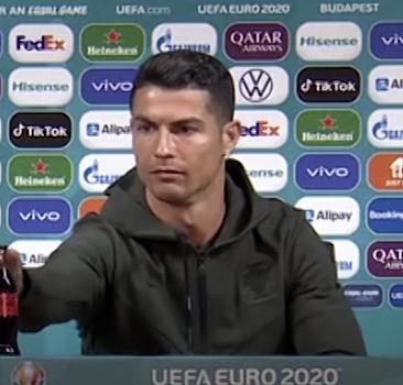 Ronaldo'nun tepkisi 4 milyar dolar kaybettirdi