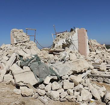 Girit Adası'nda 5 büyüklüğünde deprem