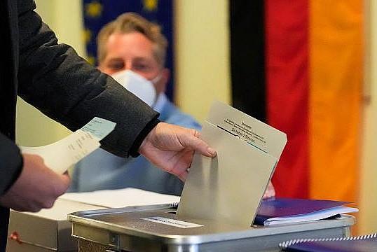 Almanya'da meclise giren Türk sayısı belli oldu