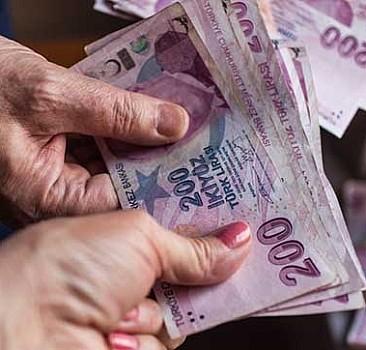Emeklilere maaş ve ikramiye müjdesi
