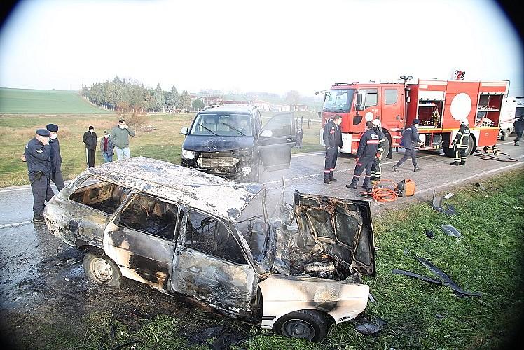 Tekirdağ'da otomobil ile minibüs çarpıştı: 1 ölü 3 yaralı