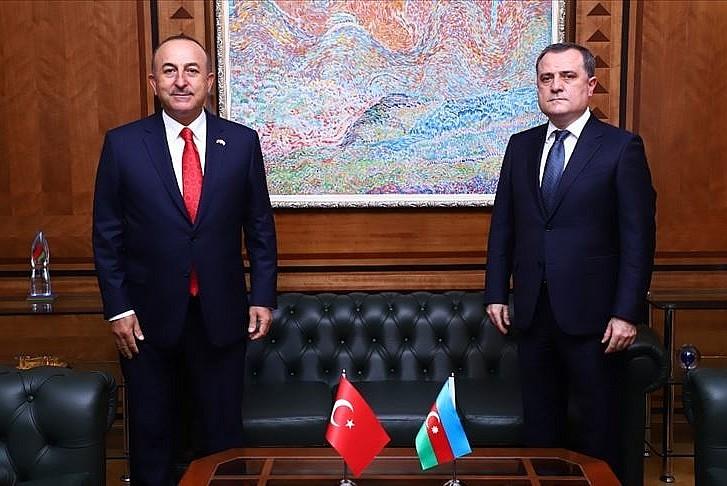 Çavuşoğlu, Azerbaycanlı mevkidaşı ile görüştü