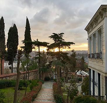    Elif gibi dimdik duran ilim yuvası:  İstanbul'da bir huzur durağı