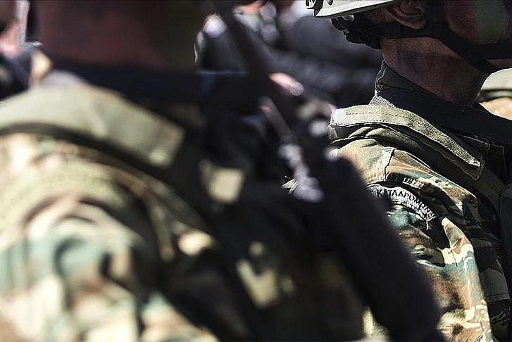 Yunanistan'da zorunlu askerlik uzatıldı!