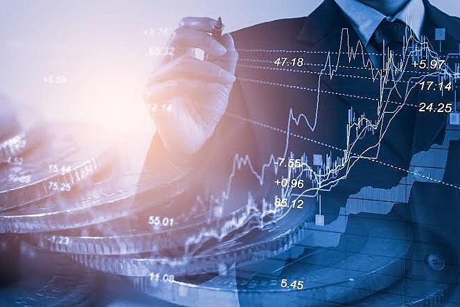 Ünlü Ekonomist Önder Tavukçuoğlu'ndan yatırımcılara tavsiyeler