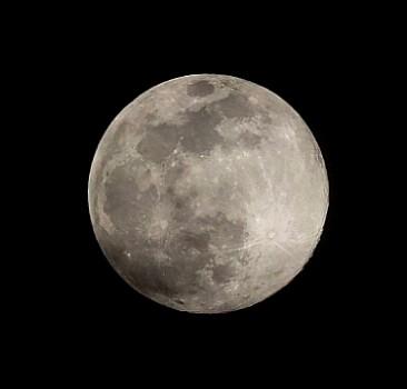 Ay yüzeyinde dikkat çeken keşif