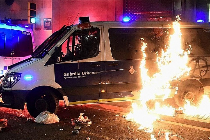 İspanya yangın yeri! Kaos devam ediyor