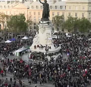 Fransa'nın İslam'a hakaretine tepkiler büyüyor