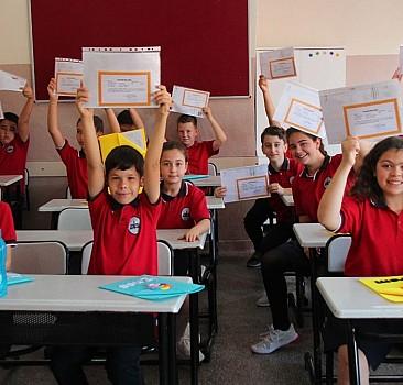 Dijital dünya ve geleneksel okul sistemi