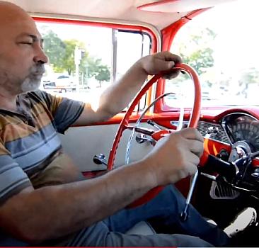 Klasik otomobilleri hurdadan alıp eski ihtişamına kavuşturuyor