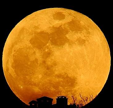 Yarın gece 'Süper Çiçek Kanlı Ay' var