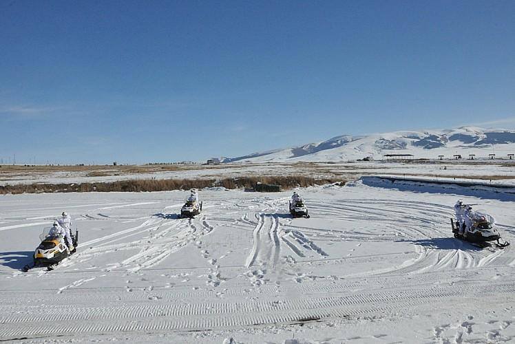 Komandolardan kar motoru ile eğitim