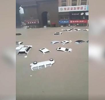Çin'de sağanak yağış sele dönüştü