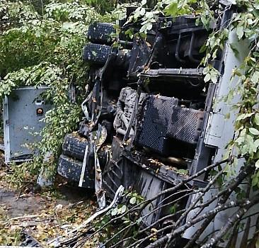 Samsun'da yolcu otobüsü uçuruma devrildi