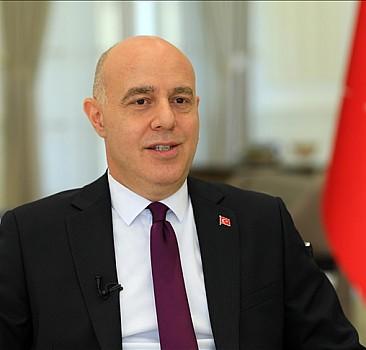 Büyükelçi Güney, Erbil'deki Maarif Okulunu ziyaret etti