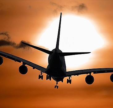 Antalya uçağı Moskova'ya yöneldi