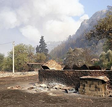Yangın etkilenenlere 10 bin yatırıldı