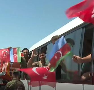 Azerbaycan'dan Türkiye'ye destek: 220 itfaiyeci daha geldi