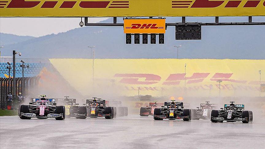 Lewis Hamilton 7. şampiyonluğunu ilan etti