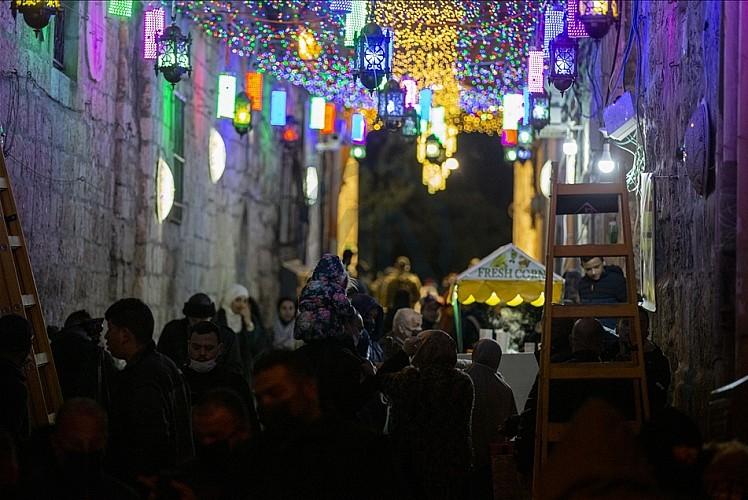Kudüs'ün eski şehir bölgesi ramazan için süslendi
