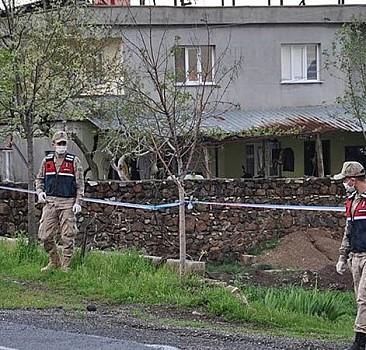 Kovid-19 nedeniyle 4 ev karantinaya alındı