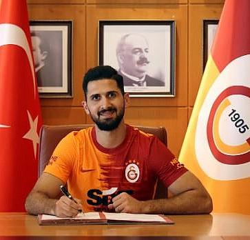 Galatasaray Emre Akbaba'nın sözleşmesini uzattı