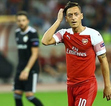 Mesut Özil'den örnek hareket