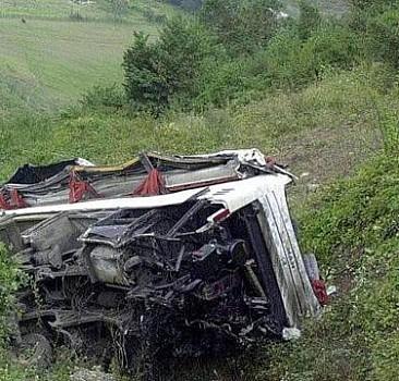 Nepal'de korkunç kaza! 25 kişi öldü