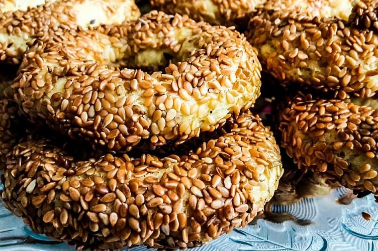 Susamlı simit kurabiye nasıl yapılır?