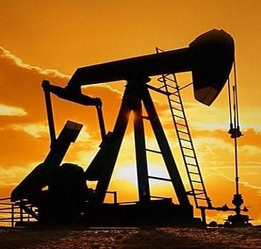 Üç ilimizde petrol hamlesi