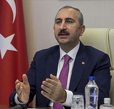 Adalet Bakanı Gül'den yeni anayasa paylaşımı