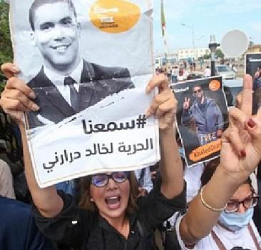 Cezayir'de protesto gösterisi