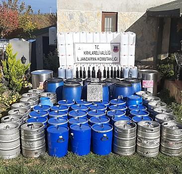 Kırklareli'nde bir evde 2 bin litre kaçak içki ele geçirildi