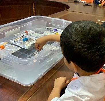 Çocuk evindeki yavrularımızın bilimsel becerileri gelişiyor