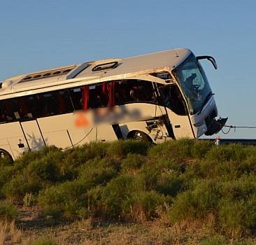 Aksaray'da otobüs devrildi! Çok sayıda yaralı var