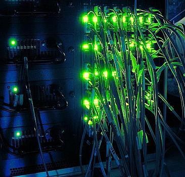 """Türkiye'nin yolları 15 bin kilometre fiber optik ağıyla """"akıllanacak"""""""
