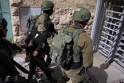 Terör devleti 17 Filistinliyi gözaltına aldı