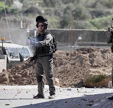 Kana susamış İsrail, Filistinli 2 çocuğu yaraladı