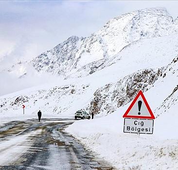 Doğu'daki 4 il için buzlanma ve çığ uyarısı