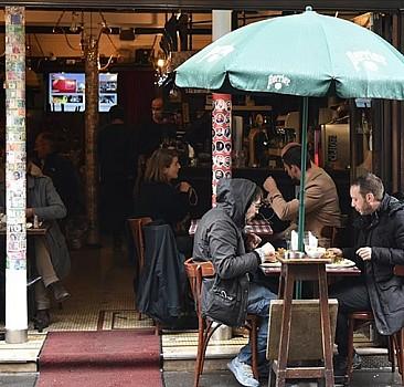Fransa'da vaka sayısı hızla yükseliyor