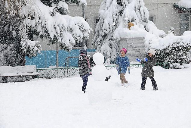 Düzce'de eğitime kar yağışı nedeniyle 2 gün tatil