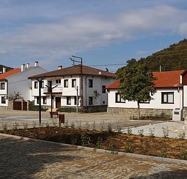 Güneyköy meydanı Osmanlı mimarisiyle yenilendi