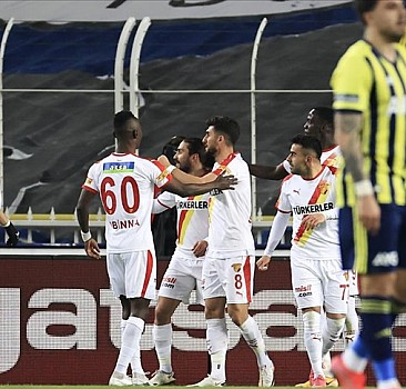 Fenerbahçe, Kadıköy'de Göztepe'ye de mağlup oldu