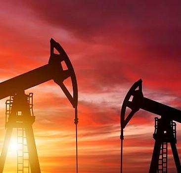 ABD petrol tahminlerini yükseltti